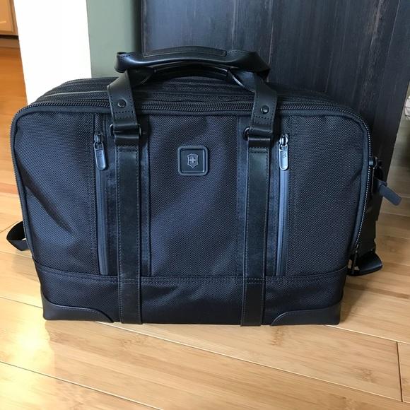 44 off victorinox bags swiss army laptop bag poshmark m5b09a6f5a825a6c748b4b4f5 colourmoves Gallery